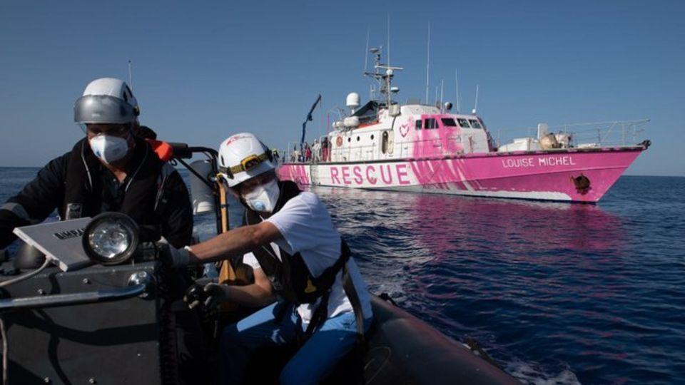 Banksy stiftet Sea Watch ein Schiff