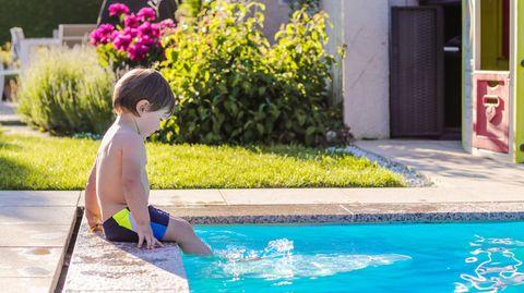 Familienschicksal: Seine Mutter gibt einen Moment nicht acht. Da fällt Luis in den Pool. Und nichts ist mehr wie zuvor