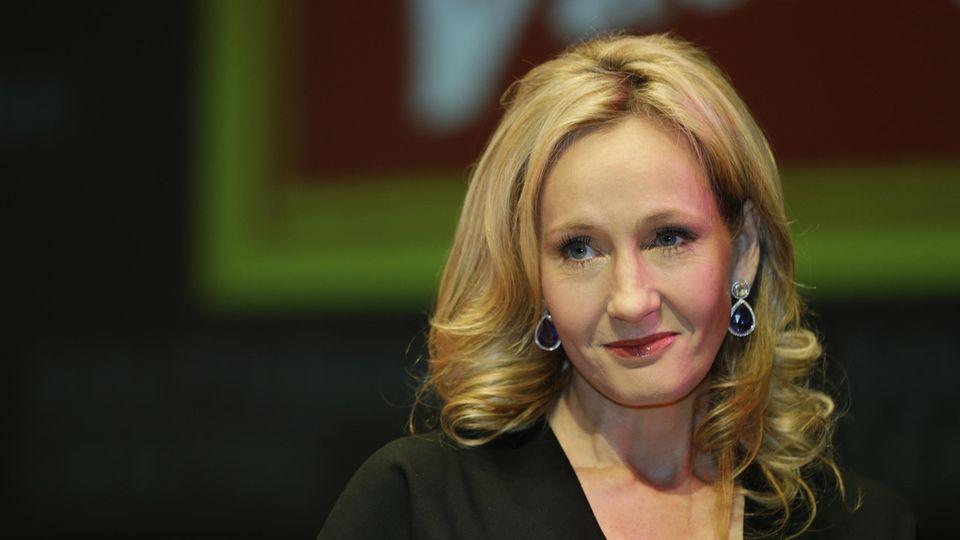 """""""Harry Potter""""-Schöpferin J.K. Rowling gibt Menschenrechtspreis zurück"""