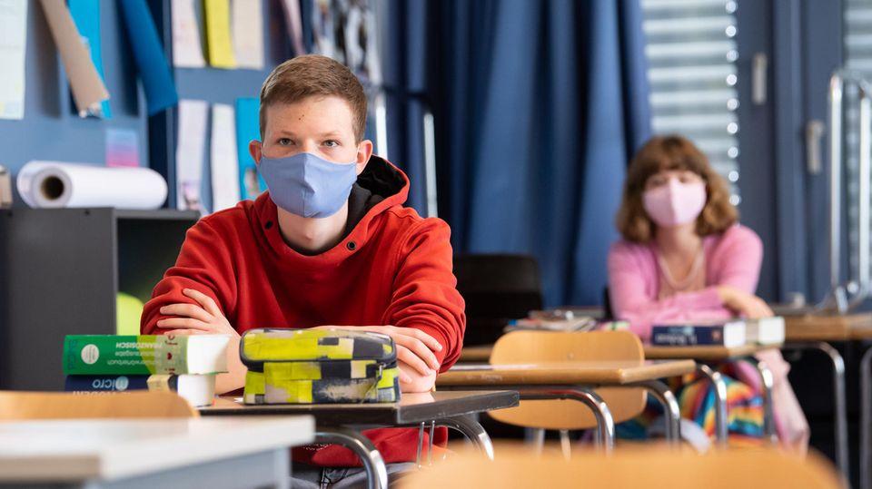 Masken-Versorgung: Ärztepräsident wirft Bundesregierung ...