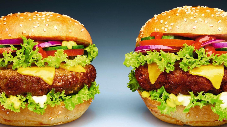 Zwei Burger. Einer mit, einer ohne Fleisch