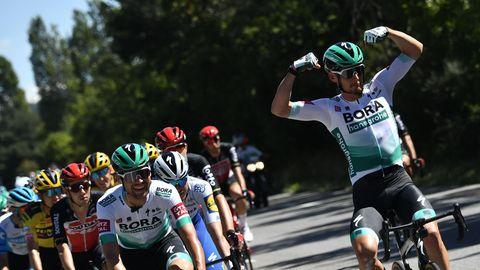 Tour de France 2020: Lukas Pöstlberger lässt auf dem Rad aus Spaß die Muskeln spielen
