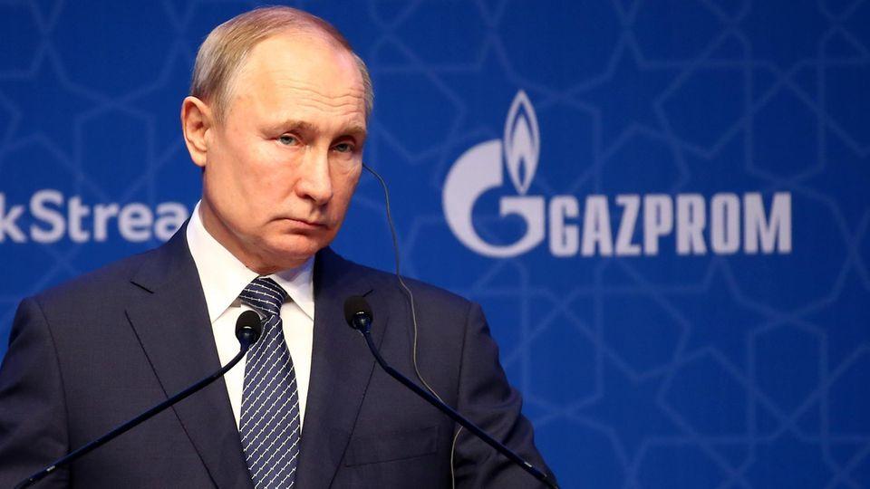 Wladimir Putin verdankt seine Macht vor allem dem Geld, das er an seine Getreuen weitergibt