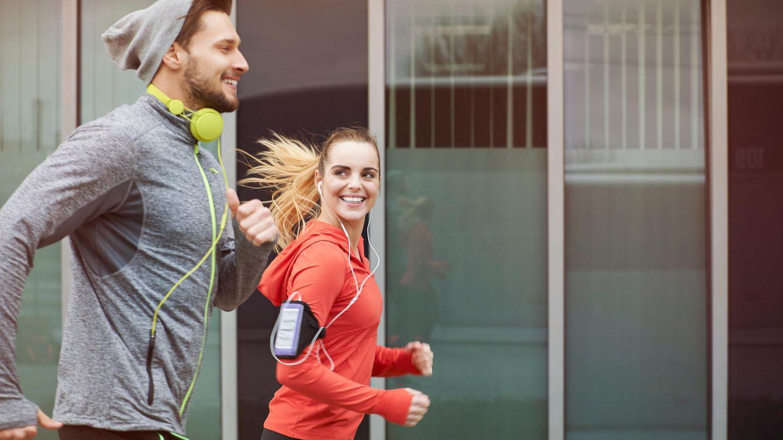 Viele Jogger hören Musik beim Laufen