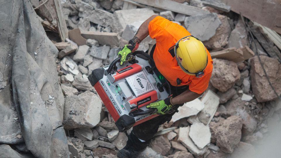 Beirut: Mögliches Lebenszeichen unter Trümmern vier Wochen nach Explosion
