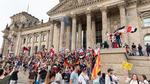 Verfassungsschutz-Erkenntnisse: Rechtsextremisten gaben bei mehr als 90 Corona-Kundgebungen den Ton an