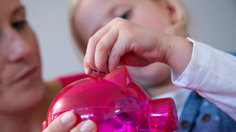 Viele Eltern wollen den Corona-Kinderbonus sparen (Archivbild)