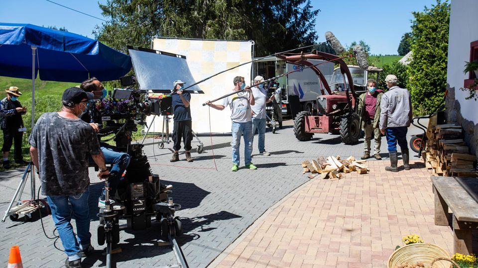 Fernsehen: Corona – war da was? Warum das Virus in deutschen Serien nicht vorkommt