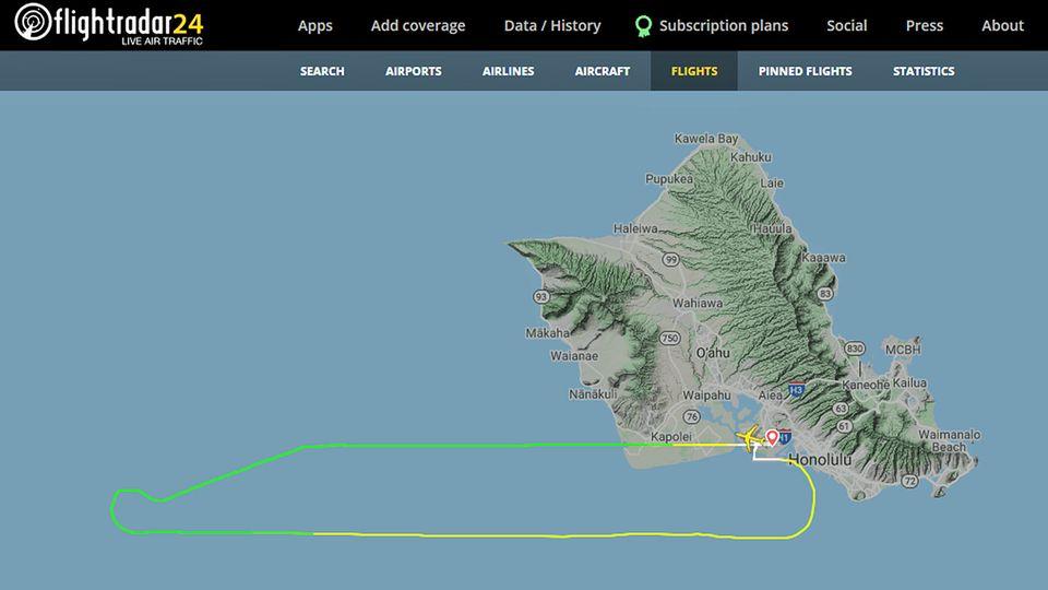 Der kurze Flug von5Y8585: Der Flugverlauf westlich der Insel Oahu der Hawaii-Gruppe