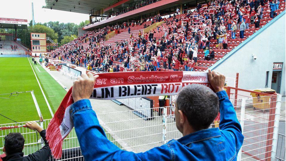 Beim Testspiel vomUnion Berlingegen den Nürnberg kehrten 4500 Fans in das Stadion an der Alten Försterei in Köpenick zurück