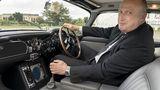 So ein bisschen fühlt man sich im Aston Martin DB5 Goldfinger Continuation Car wie James Bond