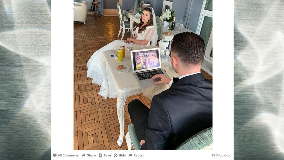 """Braut wenig begeistert: Bräutigam spielt auf seiner eigenen Hochzeit """"Fußball Manager"""" am Computer"""