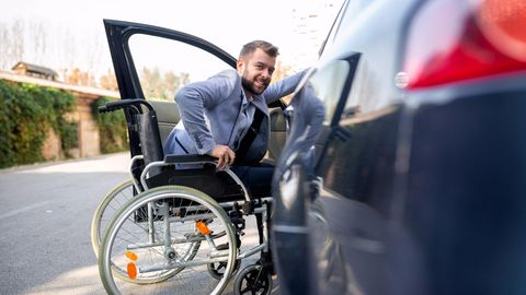 Autofahren anders: Alles eine Frage der Technik, oder? So lernen Menschen mit Handicap Autofahren