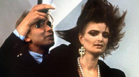 Gerhard Meir und Gloria von Thurn und Taxis bei einem gemeinsamen Fernsehauftritt 1986: Der Friseur styltein den 80er Jahren ihre Punk-Frisur.