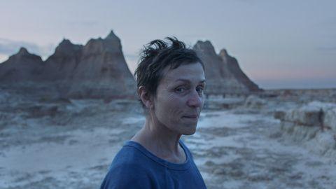 """News am Wochenende: Szene aus dem US-Drama """"Nomadland"""" von Regiseurin Chloé Zhao"""