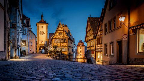 Geschichte der Deutschen: Zerfallene Straßen, Fenster aus Tierhäuten und viel Gestank – so lebten die Deutschen im Mittelalter