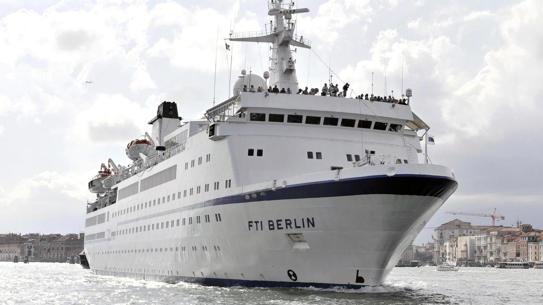 """Das Kreuzfahrtschiff MS Berlin - besser bekannt als ehemaliges """"Traumschiff"""" - wechselt den Besitzer und soll zu einer Megayacht umgebaut werden"""