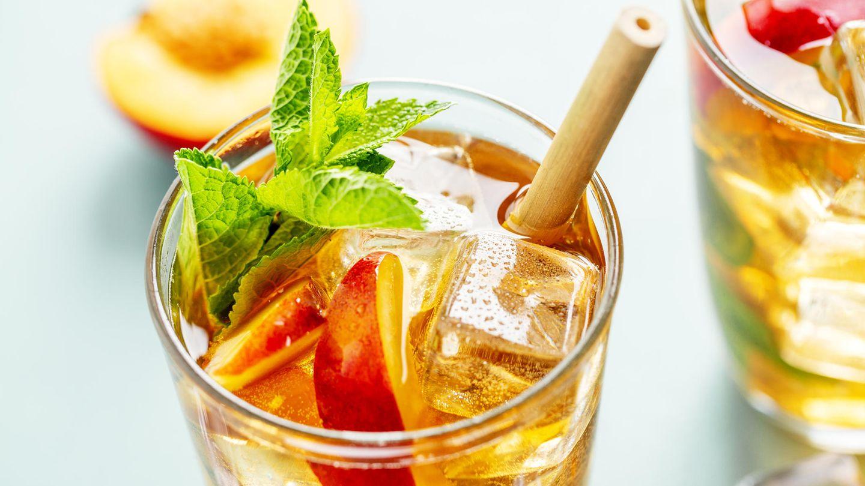 Kalter Tee schmeckt im Sommer am besten