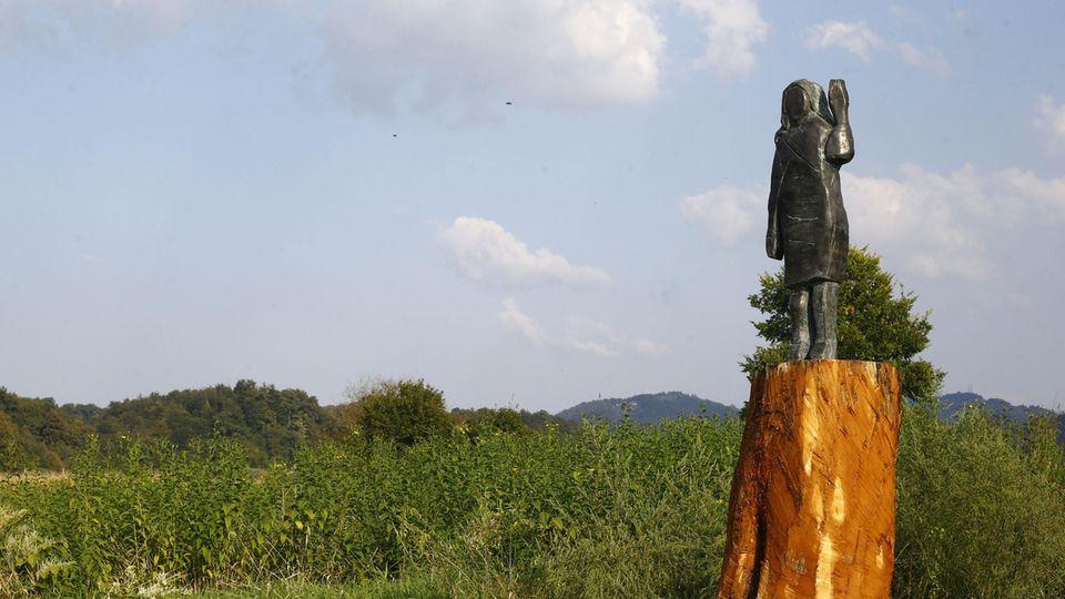 Bronze-Statue Melania Trump