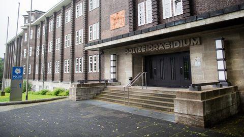 Nachrichten aus Deutschland: Eingangsbereich des Polizeipräsidiums Bochum