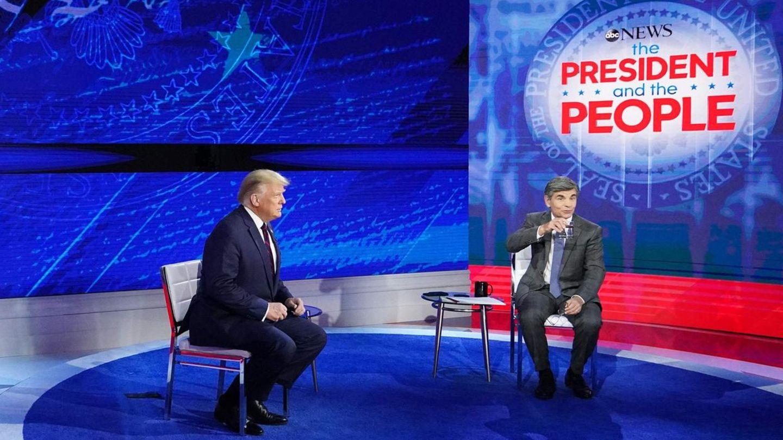 US-Präsident Donald Trump mit ABC-Moderator George Stephanopoulos im National Constitution Center in Philadelphia