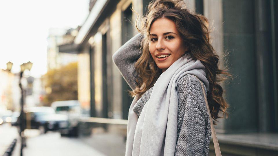 Kühlere Temperaturen sorgen in Sachen Herbst-Outfits für einen schönen Lagenlook