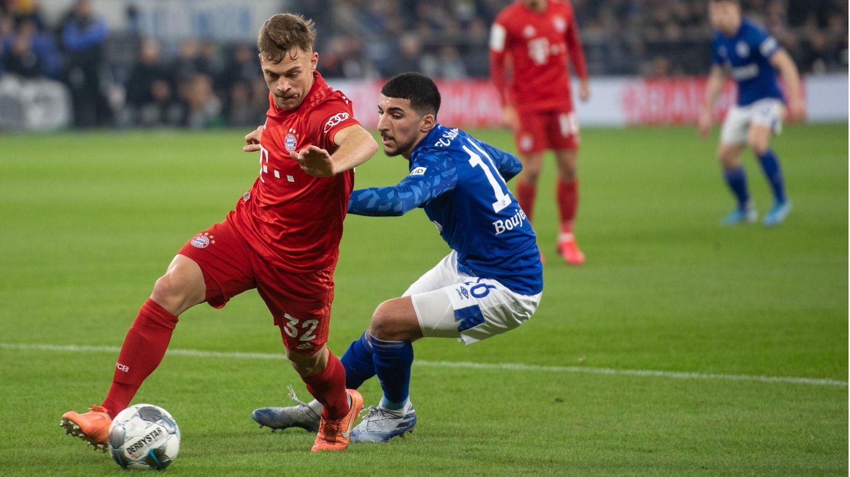 So sah es Anfang März im Pokal-Duell aus, das die Bayern mit 1:0 gewannen: Joshua Kimmich (l.) umkurvt Schalkes Nassim Boujellab