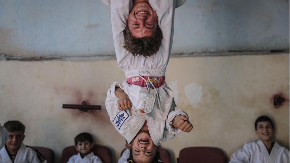 Aljiina, Syrien. Ein Karate-Kurs soll Kindern, die unter Autismus oder dem Down-Syndrom leiden, helfen, sich in die Gesellschaft zu integrieren.