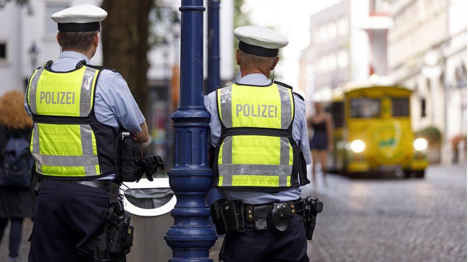 Rechtsextreme Chatgruppen bei der Polizei in NRW: Handelt endlich, anstatt zu forschen! Welche Reformen die Polizei braucht, haben Studien längst gezeigt