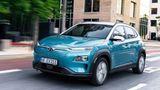 Hyundai Kona Elektro   Der Listenpreis beträgt 33.971 Euro, es gibt Angebote ab 22.453 Euro – ohne Lieferzeit. Derzeit sind nur Lagerfahrzeuge im Markt