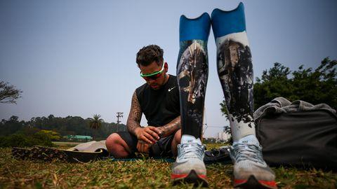 Para-AthletAlan Fonteles Cardoso Oliveira ruht sich zwischen zwei Trainingseinheiten aus