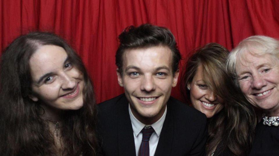 Louis Tomlinson von One Direction unterstützte Meghan Bhari (li) unermüdlich