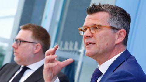 Peter Dabrock (r.), Vorsitzender des Deutschen Ethikrates