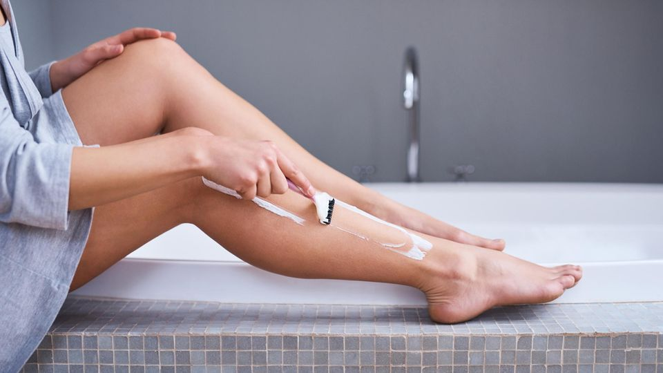 Wer weiß, wie Rasierpickel entstehen, kann sie wirksam vermeiden