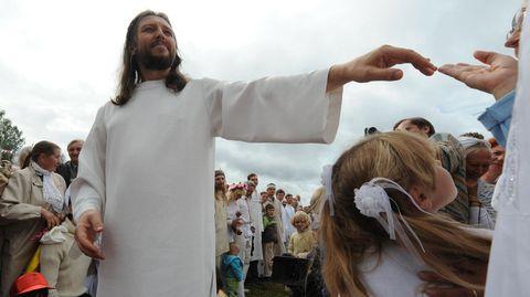 Der sibirischeSektenführer Sergej Torop alias Wissarionbehauptet eine Wiedergeburt Jesu zu sein
