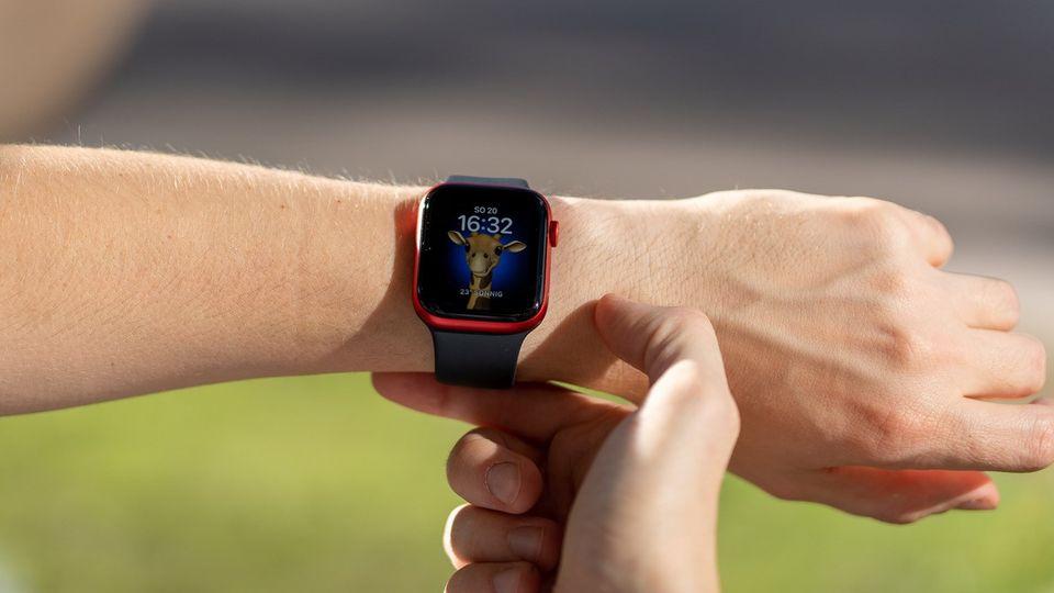 Das Memoji-Watchface wurde mit dem neuen Betriebssystem watchOS 7 eingeführt.