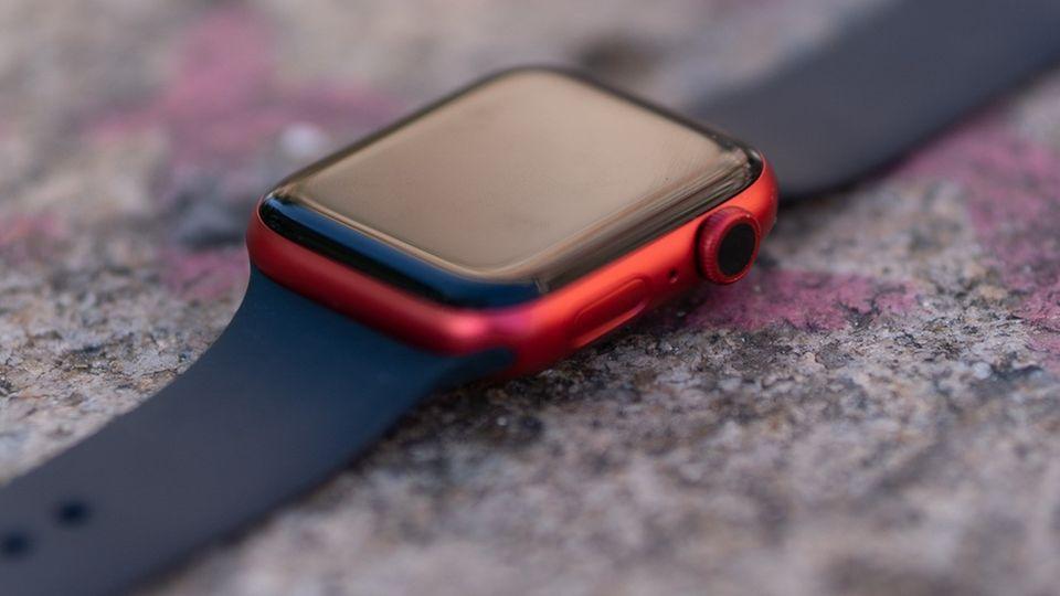 Die Apple Watch Series 6 gibt es erstmals in rot.