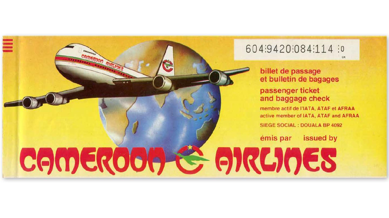 Bild 1 von 11der Fotostrecke zum Klicken: Cameroon Airlines, Kamerun 1987  Zur heute nicht mehr existierenden afrikanischen Airline gehörte auch die auf der Tickethülle abgebildete Boeing 747-200, die im November 2000 bei der Landung in Paris von der Landebahn abkam und nicht mehr zu reparieren war.