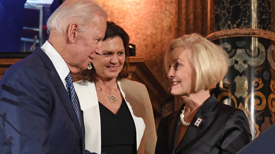 Joe Biden Cindy McCain