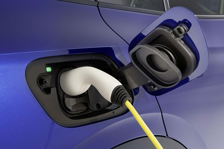 Der VW ID.4 kann mit 125 kW geladen werden