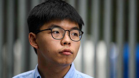 """Joshua Wong wird dieTeilnahme an einer """"illegalen"""" Versammlung vorgeworfen"""