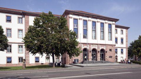 Nachrichten aus Deutschland – Mutmaßliche Sekten-Führerin in Hanau verurteilt