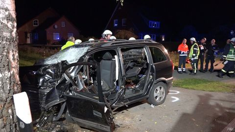 Nachrichten aus Deutschland – Schwerer Autounfall in Saterland, Niedersachsen