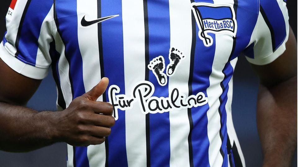 Schriftzug für Pauline auf dem Trikot von Hertha BSC