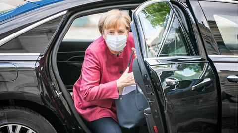 Angela Merkel mit Maske in Berlin