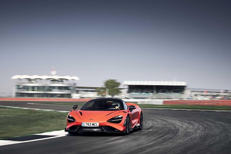 Der McLaren 765LT agiert gutmütig