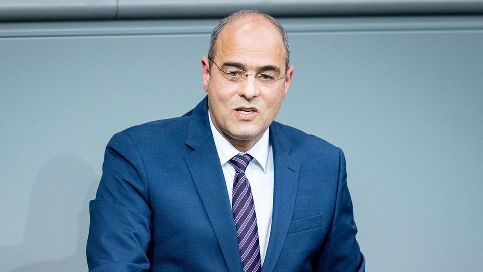 Peter Boehringer von der AfD spricht im Bundestag
