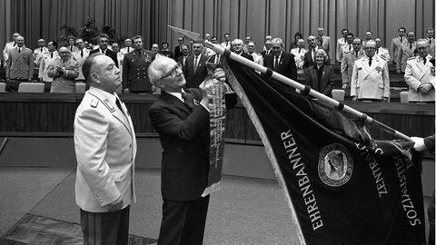 """30 Jahre Ende der DDR: Psychiater der DDR-Spitze: """"Honecker gab sich staatsmännischer. Mielke war intelligenter"""""""