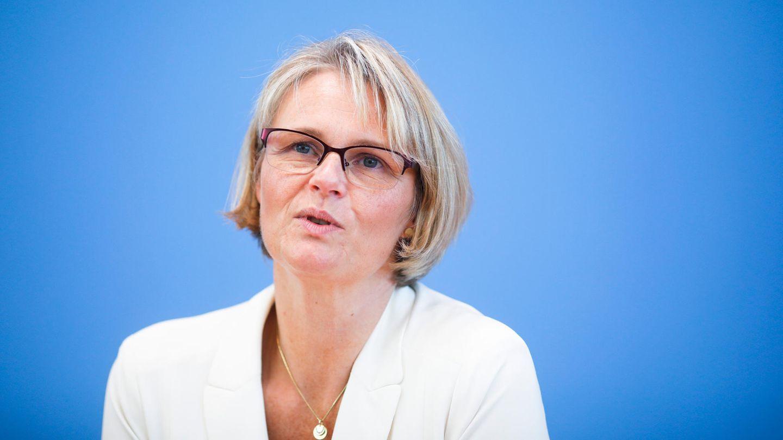Anja Karliczek während einer Pressekonferenz