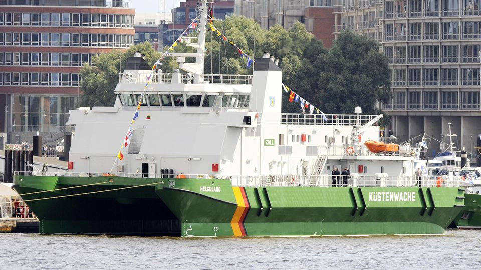 """Nachrichten aus Deutschland – Das Hamburger Zoll-Schiff """"Helgoland"""""""
